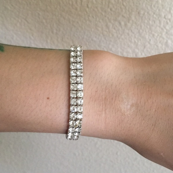 17c15031090d4 Beautiful fake diamond bracelet